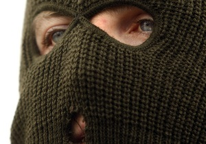 В центре Киева вооруженный грабитель бросил гранату в пункт обмена валют