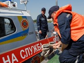 Крымские спасатели третьи сутки ищут двух москвичей, пропавших в море