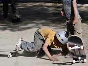 Десятилетний американец отнял у старшего мальчика скейтбод, угрожая пистолетом