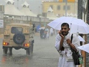 Число жертв наводнений в Саудовской Аравии превысило сотню человек