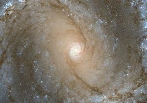 Новости науки - космос: Хаббл снял спиральную галактику с шестью сверхновыми