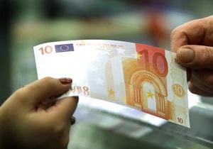 Межбанк: Евро минимально подешевел