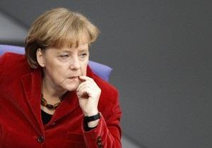 Меркель не согласилась с предложением премьера Турции открыть в Германии турецкие школы