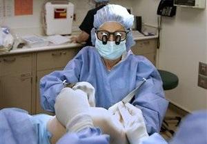Французские хирурги провели операцию по полной пересадке лица