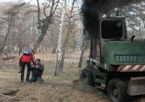 Около двадцати человек в масках напали на лесорубов под Киевом
