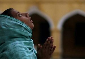 В Малайзии открыли школу для беременных девушек-подростков