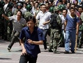 В Китае к смертной казни приговорены еще шесть участников столкновений в Урумчи