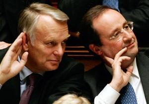 После выборов Олланд по традиции отправил правительство в отставку
