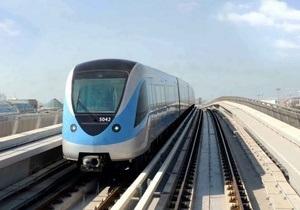 В метро Дубая будут штрафовать за прослушивание музыки без наушников