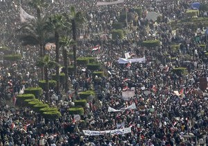 В Каире начались столкновения между сторонниками и противниками Мубарака