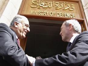 Новый министр обороны Британии неожиданно прибыл в Ирак