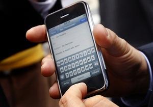 В США смартфоны стали популярнее обычных мобильных телефонов