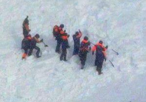 Пятеро из шести попавших под лавину школьников в Туве обнаружены мертвыми