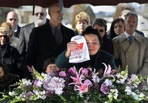 В США семья по дороге на кладбище заехала в Burger King, чтобы почтить память покойного