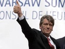 Ющенко желает Азарову добра