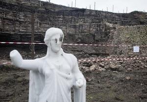 В Помпеях рушатся древние постройки