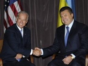Янукович встретился с Байденом тет-а-тет