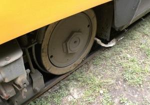 новости Днепропетровска - трамвай - отрезало ногу - В Днепропетровске трамвай сбил женщину, пенсионерка потеряла ногу
