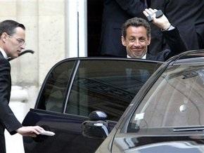 Французским политикам угрожает неизвестный маньяк