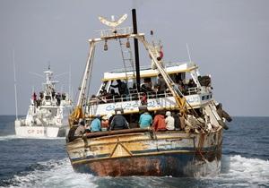 Береговая охрана Италии обнаружила 25 тел на лодке с беженцами