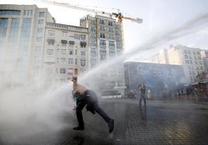В результате антиправительственных волнений в Турции пострадали более 500 человек
