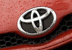 Toyota в январе покажет автомобили с автопилотом