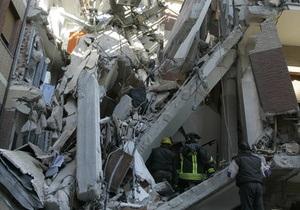 В Тбилиси обрушилось многоэтажное здание: есть жертвы