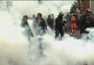 В Белфасте в противостоянии протестантов и католиков пострадали 26 полицейских