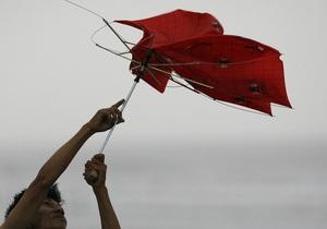 К Японии приближается мощный тайфун Роке