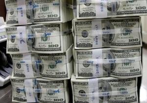 После вчерашнего выходного межбанковский доллар подорожал на копейку