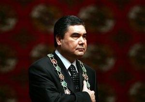 Президент Туркменистана пригрозил увольнением главе метеослужбы за неверный прогноз