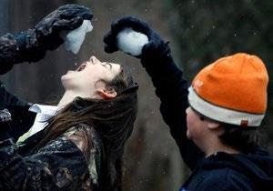 Голубченко заявил, что студенты добровольно согласились расчищать улицы от снега