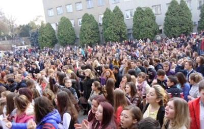 Организаторов митинга школьников в Ужгороде обвиняют в нарушении общественного порядка