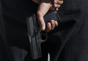 В Запорожье в здании парикмахерской неизвестный стрелял в девушку