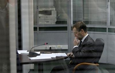 Медведев в интервью Reuters обвинил американские спецслужбы в цинизме