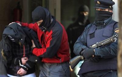 В Испании двух полицейских задержали за кражу 1 миллиона евро