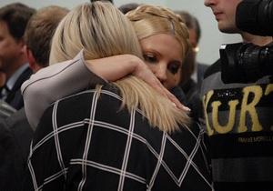 Тимошенко не исключает, что Луценко будут кормить принудительно