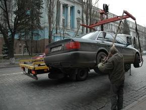 В Киеве снова появились эвакуаторы