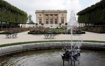 Dior відреставрує поселення Марії-Антуанетти у Версалі