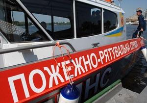 В Днепропетровске теплоход с пассажирами врезался в железобетонную опору. Капитан был пьян