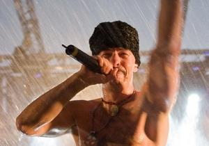 Во время концерта Гайдамаков в Эстонии ветер сорвал крышу сцены