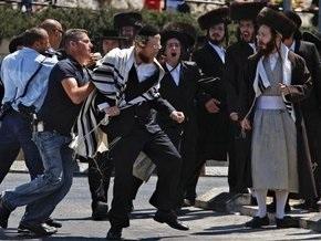 В Иерусалиме евреи-ортодоксы протестуют против работы стоянки по субботам: есть раненые