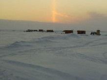 Российских полярников спасают с дрейфующей льдины