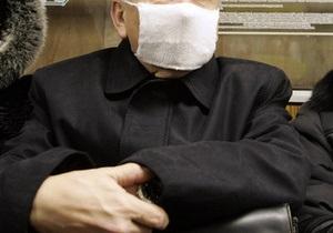 В Мариуполе неизвестные в марлевых повязках ворвались в офис МТС