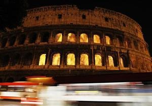 В Риме в знак протеста выключили подсветку Колизея