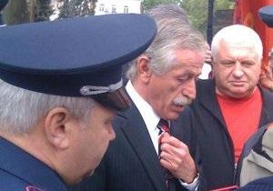 Мэр Одессы отстранил своего скандального зама от работы и посоветовал сдать оружие