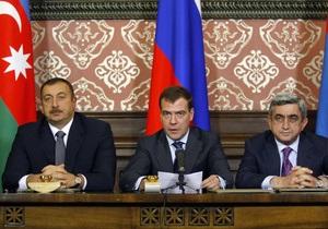СМИ: Медведев убедил Армению и Азербайджан отказаться от применения силы в Карабахе