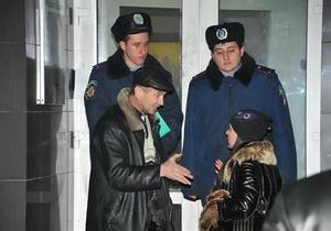 СМИ: В Донецке задержали подозреваемого в нападении на Приватбанк