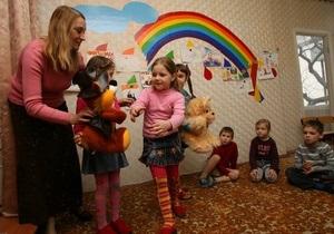 Две трети украинских семей дарят на День Святого Николая подарки - опрос