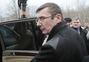 Эксперты: За месяц на свободе Луценко никак не повлиял на политическую ситуацию в стране